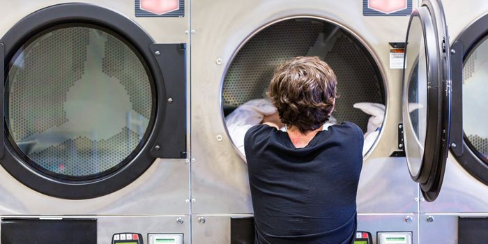 coinless laundromats near me